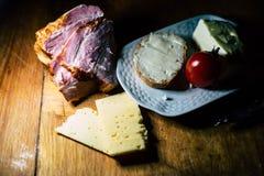 Плита еды и мяса стоковая фотография