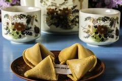 Плита китайских печений с предсказанием Стоковые Фотографии RF