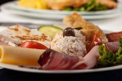 Плита мяса смешивания с французскими фраями Стоковая Фотография RF