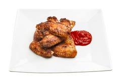Плита очень вкусных крылов цыпленка барбекю Стоковое Изображение RF