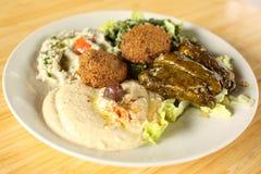 плита mezza falafel Стоковые Фотографии RF