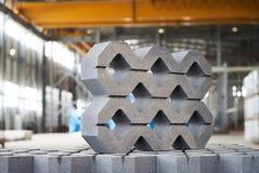 Плитка лужайки в фабрике цемента Стоковое фото RF