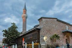 ПЛОВДИВ, БОЛГАРИЯ - 9-ОЕ ИЮНЯ 2017: Фото ночи мечети Dzhumaya в городе Пловдива Стоковая Фотография