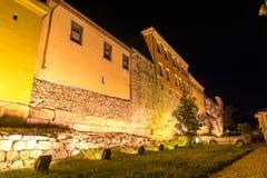 ПЛОВДИВ, БОЛГАРИЯ - 2-ОЕ СЕНТЯБРЯ 2016: Фото ночи дома в старом городке города Пловдива Стоковое Изображение