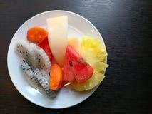 Плодоовощи в тарелке Стоковая Фотография