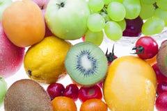 Плодоовощи на таблице Стоковые Фотографии RF