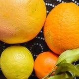 плодоовощи тарелки цитруса Стоковая Фотография