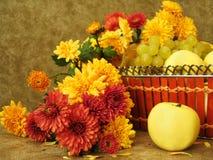 плодоовощи цветков корзины Стоковая Фотография RF
