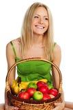 плодоовощ корзины держит женщину Стоковое Изображение