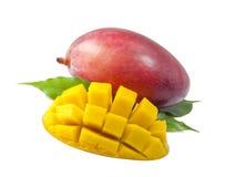 Плодоовощ мангоа с листьями на белой предпосылке Стоковое фото RF