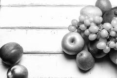 Плодоовощ на таблице Стоковое Изображение