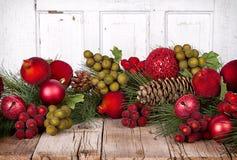 Плодоовощ рождества на деревянной предпосылке стоковое изображение rf