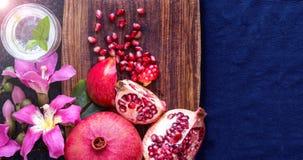 Плодоовощ с цветками, плоский взгляд гранатового дерева положения Стоковое Изображение RF