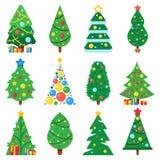 Плоская бумажная рождественская елка Деревья зимних отдыхов украсили звезду, гирлянды Xmas и игрушки Нового Года Собрание вектора иллюстрация вектора