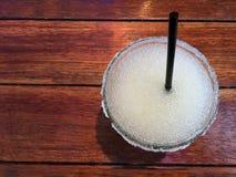 Плоский взгляд положения питья текила служил в стекле Стоковые Фотографии RF