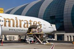 Плоскость в авиапорте Дубай Стоковое Изображение
