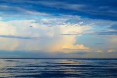 Плоскость, море, гроза Стоковое Изображение