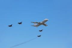 плоскость il mig 29 80 сопровоженная самолет-истребителей Стоковые Изображения RF