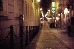 Плотная средневековая улица в старом городке Стоковая Фотография