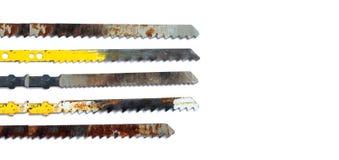 Плотничество увидело установленные зубы лезвия Ржавая текстурированная аппаратура woodworking на белой предпосылке, космосе экзем стоковые изображения