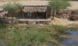 Плохой сельский дом в Индии стоковые изображения rf