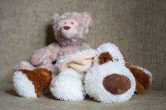 Плюшевый медвежонок и кубики с номером Стоковая Фотография RF