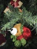 Плюшевый медвежонок рождества стоковое фото rf