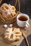 Плюшки с вареньем и чаем Стоковые Изображения