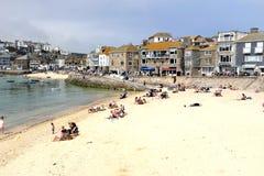 Пляжи дороги и гавани Warf, St Ives, Корнуолл, Великобритания стоковая фотография rf