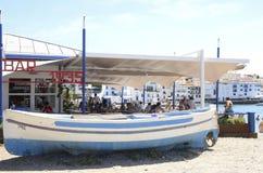 Пляжный ресторан в Cadaques стоковая фотография rf
