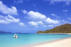 Пляж бухты контрабандиста в Tortola, BVI, Вест-Инди стоковое фото