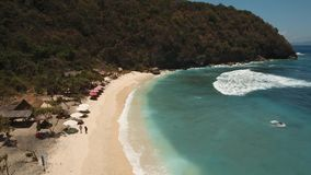 Пляж вида с воздуха красивый Nusa Penida сток-видео