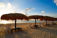 Пляж восхода солнца Майя Ривьеры в Мексике стоковая фотография