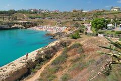Пляж в заливе моря Порту-Torres, Италия Стоковое Фото