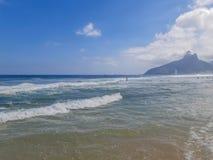 Пляж в Рио-де-Жанейро, Бразилии стоковое изображение