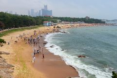 Пляж в Qingdao стоковые фото