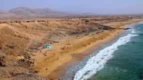 Пляж змея El Cotillo вулканический, Фуэртевентура, Канарские острова, Испания стоковые фотографии rf