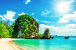 пляж красивейший Взгляд славного тропического пляжа с ладонями вокруг Стоковая Фотография RF
