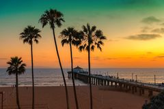 Пляж на заходе солнца, Лос-Анджелес Калифорнии,