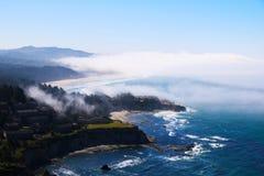 Пляж на океане, взгляд сверху Тихий океан, Калифорния стоковое фото