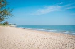 """Пляж на """"Khao Kalok """"на Pranburi стоковое изображение"""