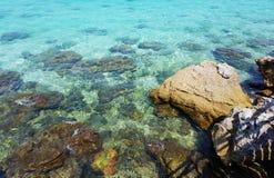 Пляж острова Lan Ko в Gulf of Thailand около Паттайя стоковое фото rf