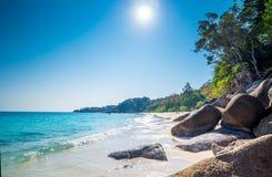 Пляж острова Miang Koh Similan в национальном парке, Таиланде Стоковое Изображение