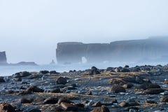Пляж отработанной формовочной смеси Reynisfjara, Vik Стоковое Фото