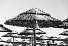 Пляж покрывать парасоли Стоковое фото RF