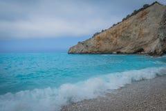Пляж Порту Katsiki белый с голубым морем в лефкас, Греции стоковая фотография