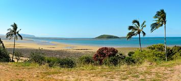Пляж пункта мелководья к северу от Mackay, Австралии Стоковое Изображение RF