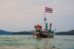 Пляж Пхукет Rawai рыбацкой лодки стоковая фотография