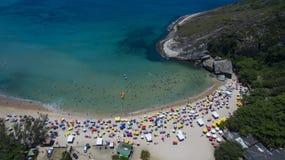 Пляж рая, красивый пляж, чудесные пляжи по всему миру, пляж Grumari, Рио-де-Жанейро, Бразилия, Южная Америка Бразилия стоковые изображения rf