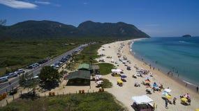 Пляж рая, красивый пляж, чудесные пляжи по всему миру, пляж Grumari, Рио-де-Жанейро, Бразилия, Южная Америка Бразилия стоковые фотографии rf